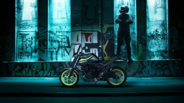 Testride Yamaha MT-03 Warna Hijau Stabilo Night Fluo MY 2018 UK 5