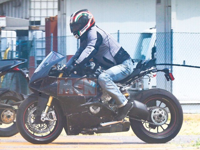 New Superbike Ducati Panigale L4 Engine Test