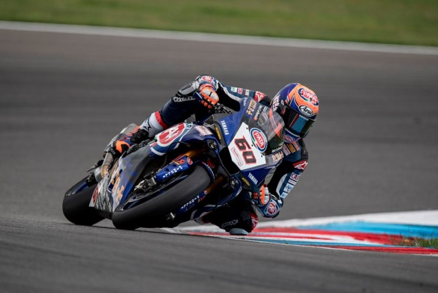Foto Aksi Michael van der Mark 60 Pata Yamaha Official WorldSBK Team R1 terbaru