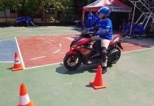 Yamaha Aerox 155 digunakan di aktivitas Yamaha Goes to School Safety Riding Competition