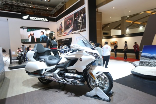 Booth Honda Gold Wing DCT 7 Speed GL1800