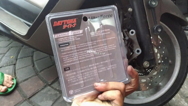 Review Kampas Rem Daytona Ultra Force Lapinus Fibers di Yamaha NMAX 155 ABS 08 P7