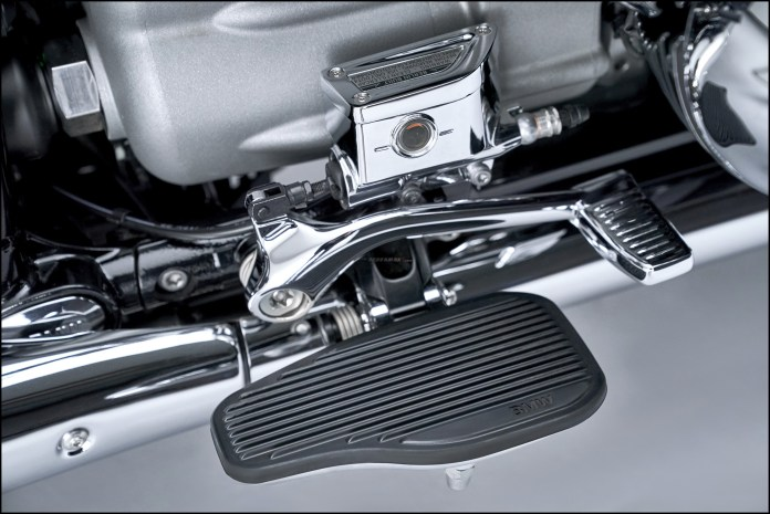 Wallpaper BMW R18 Classic Iconic Boxer Engine