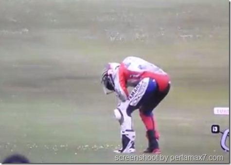 jorge lorenzo crash 27
