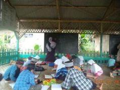 Suasana belajar DTA Al-Ikhwan Sukaraharja, Cibeber, Cainjur