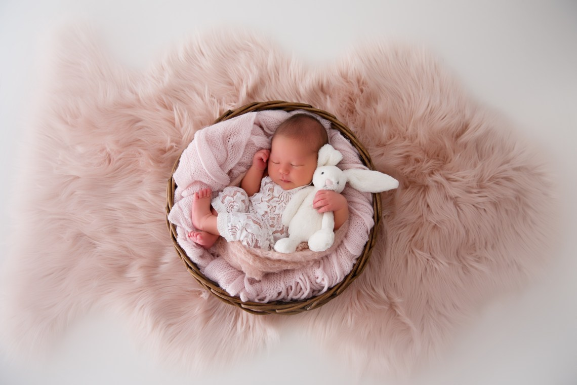 PERTH MATERNITY NEWBORN PHOTOGRAPHER