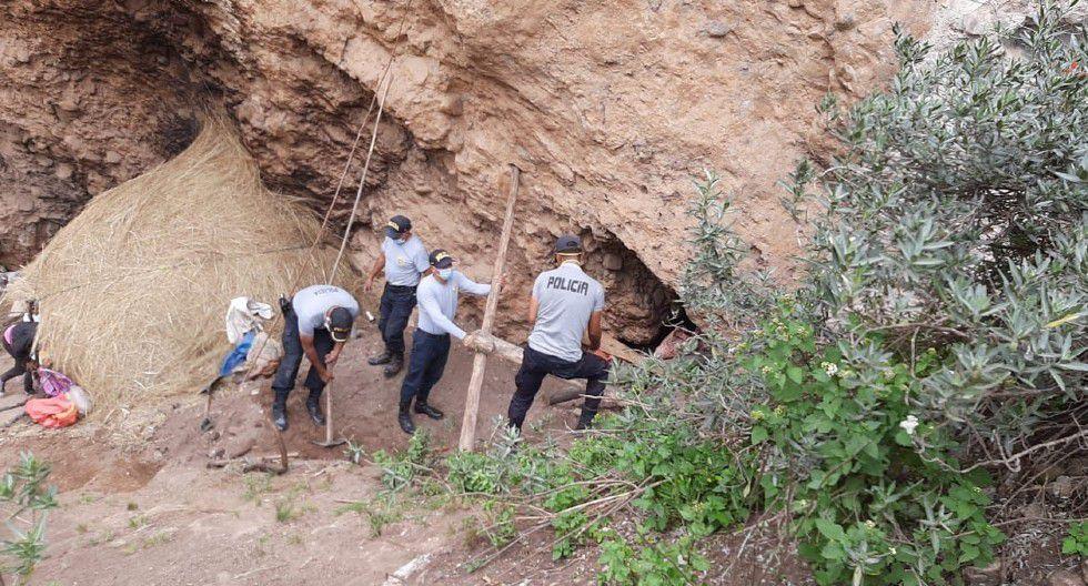 Huancavelica: Policías de la comisaría de Moya les construyeron una choza.