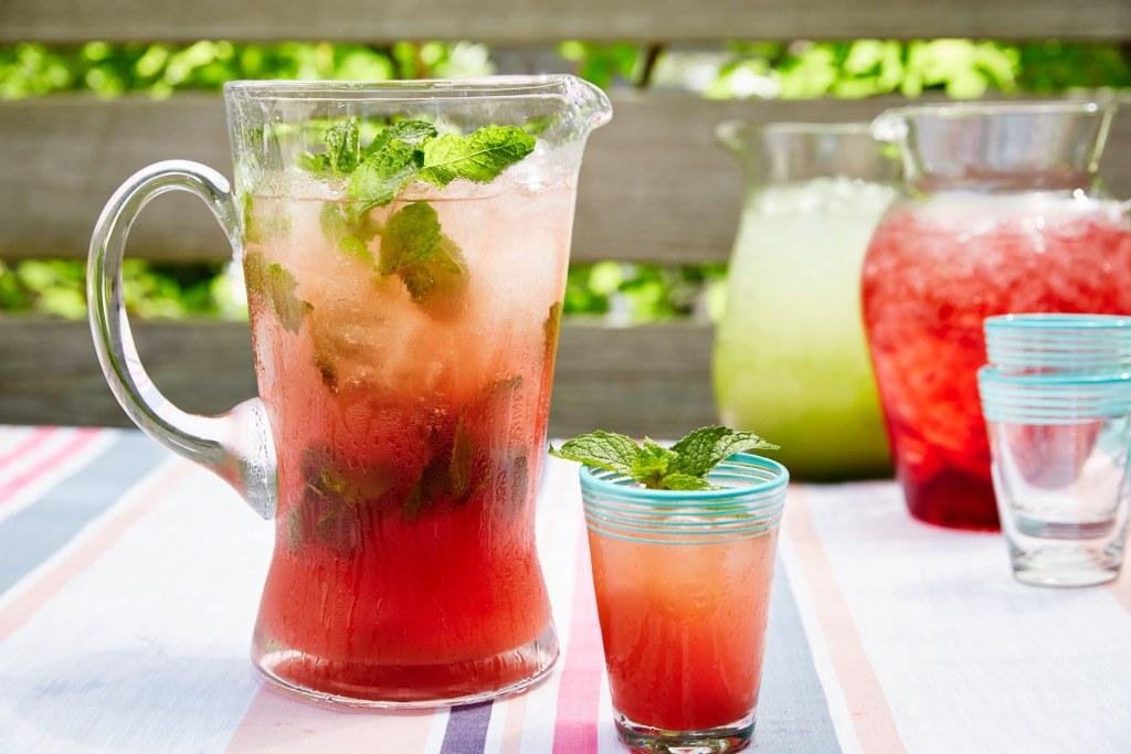 http://www.epicurious.com/recipes/food/views/watermelon-mint-agua-fresca-56389829