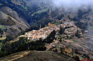 Vista panorámica de Aija desde el mirador de Chuchunpunta