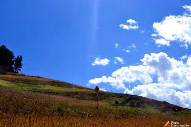 Imagen de la carretera de vuelta a Pomabamba