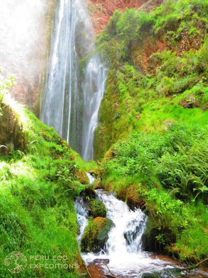 Perolniyoc Waterfall Trek - Peru Eco Expeditions