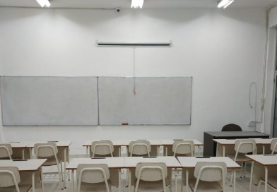 Di Sekolah dan Kantor (2)