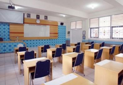 Di Sekolah dan Kantor (3)