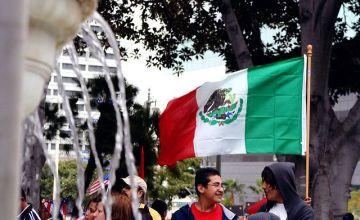 失業率の推移とメキシコ投資