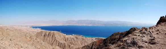 פנורמה של מפרץ אילת (ים סוף) מהר צפחות תמונה Zvi Kons