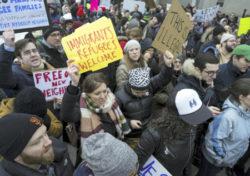 トランプ大統領の難民入国拒否に対する抗議