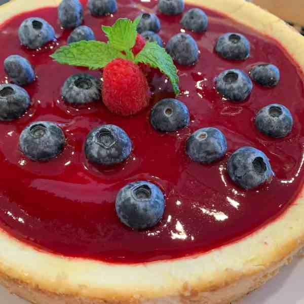 Gluten-Free Sugar-Free Berry Cheesecake