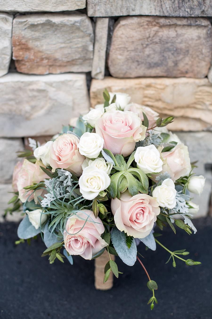 neutral and blush wedding bouquet