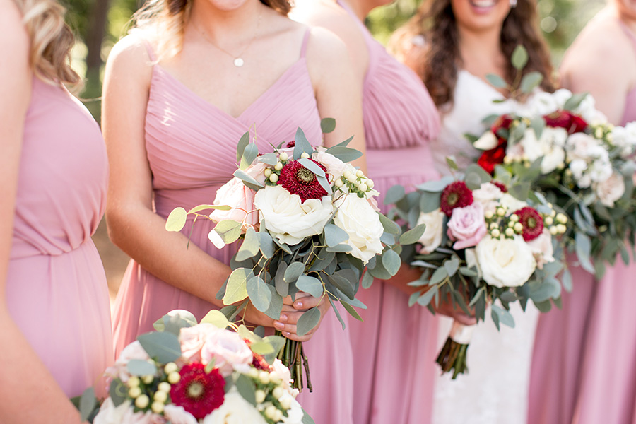 red and pink wedding roses for bouquets
