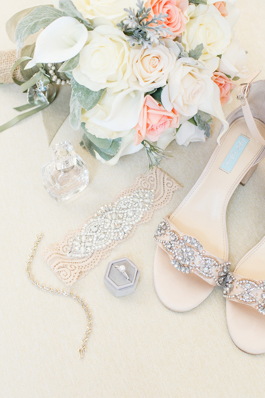 bride's details for penn oaks wedding