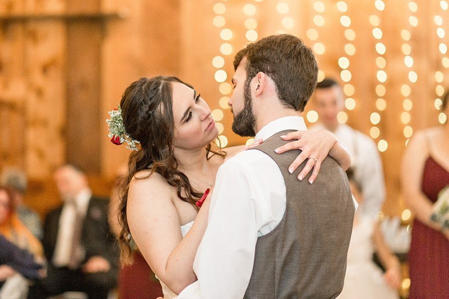 bride and groom's first wedding dance at Turkey Trac Farms