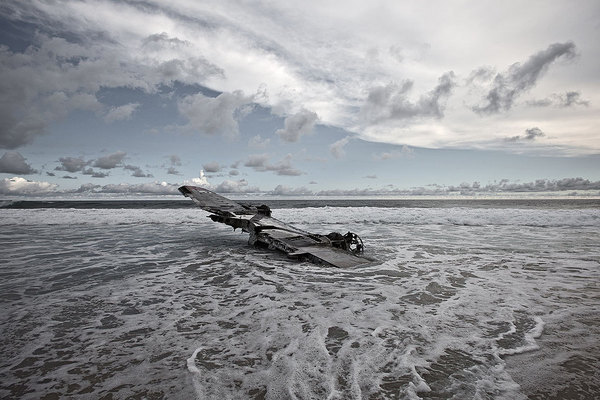Photographer Travels the World Taking Pictures of Abandoned Airplane Wrecks airplane5