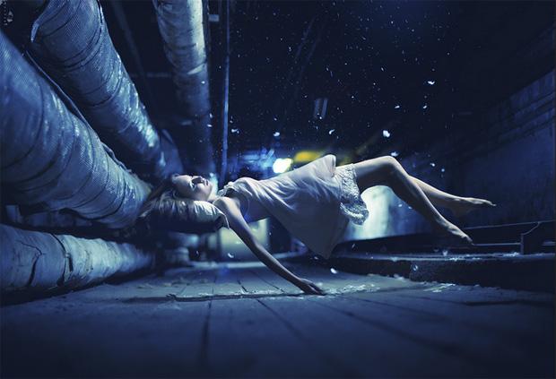 Surreal Photos of Women Floating in Zero Gravity by Nikolay Tikhomirov zero gravity nikolay 12