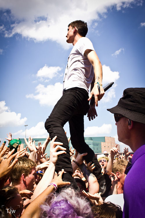 What Its Like to Photograph Concerts at Warped Tour We Came As Romans copy