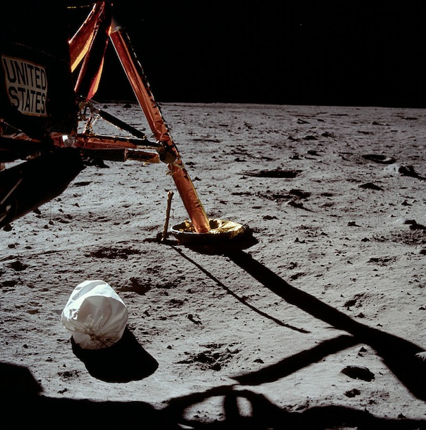 Incredible Online Gallery of High Res Film Scans from Every Apollo Mission apollo11 2