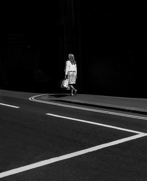 Photographer Uses Light and Shadows to Frame Human Forms in the City manonearth 3