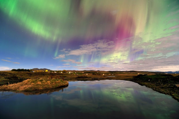 Beautiful Photos of Auroras Shimmering Over Iceland by Stéphane Vetter auroraphoto 11