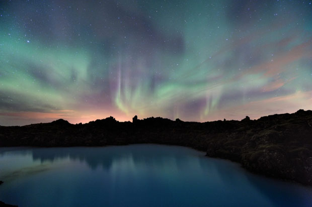 Beautiful Photos of Auroras Shimmering Over Iceland by Stéphane Vetter auroraphoto 9