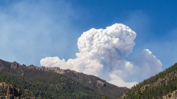 This Awe Inspiring Time Lapse Captures the Power of the 2013 Colorado Wildfires coloradowildfire 3