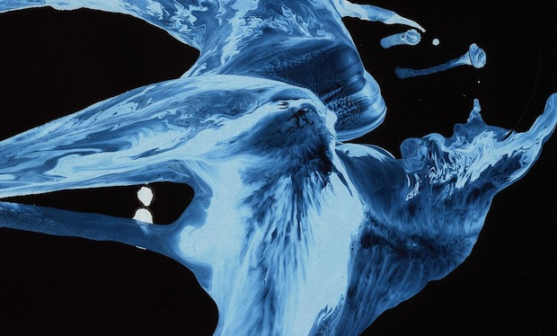 Striking Images Capture the Movement of Water Using a Special Nanoparticle Film facesofwater3