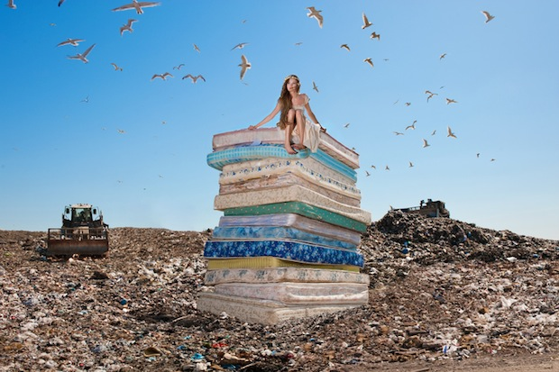Fallen Princesses Photo Series Paints a Bleak Picture of Happily Ever After fallen5