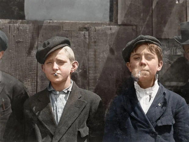 Colorizing Photoshoppers Put a New Spin on Old Historical Photos iVpXbMzSuRovN