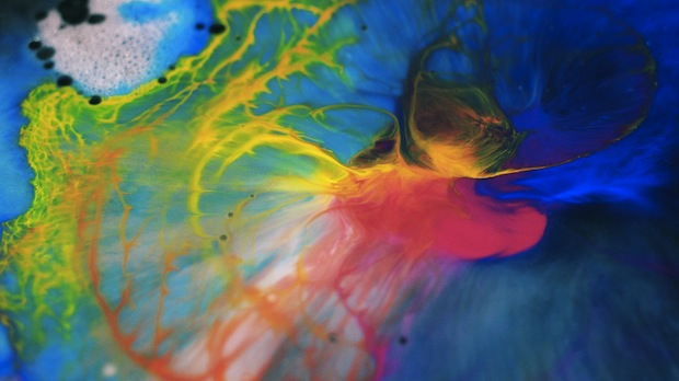 Mesmerizing Macro Photos of Ink Mixing With Oil and Soap pacificlight3