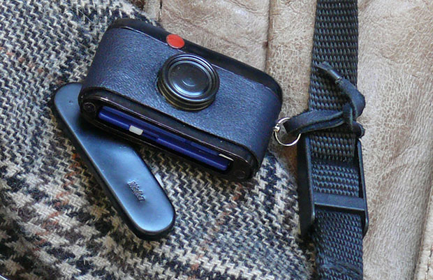 Walter SD Card Holder: Store Your Digital Photos in This Miniature Leica M sdholder