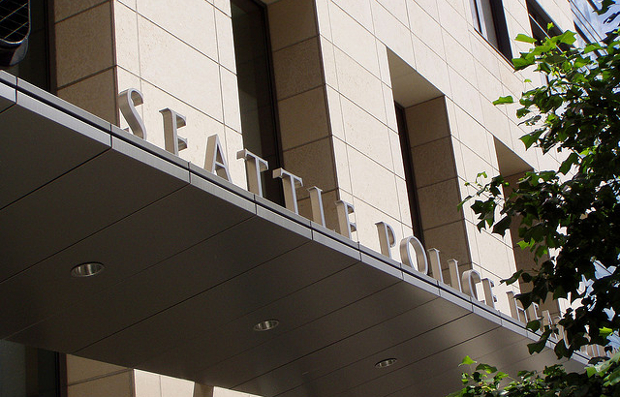 Seattle Newspaper Editor Threatened With Arrest for Taking Photos of Police seattlepolice1