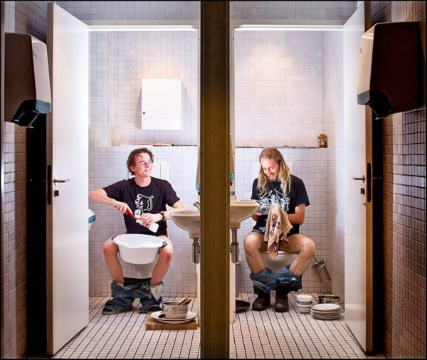 Toilet Diaries Turns Joint Bathrooms Into a Never Ending Source of Photo Humor toiletdiaries1