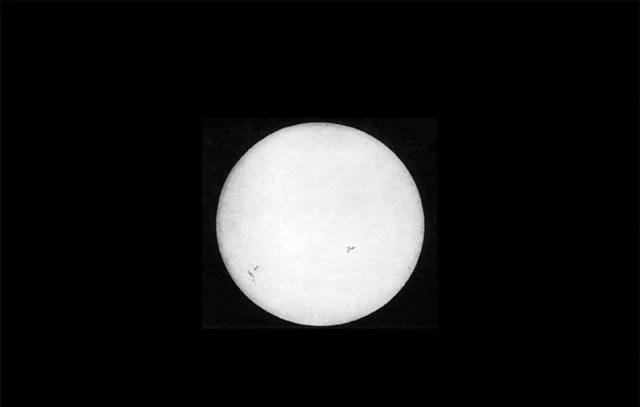 foto matahari pertama