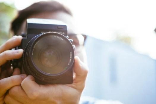 man-person-camera-taking-photo-2