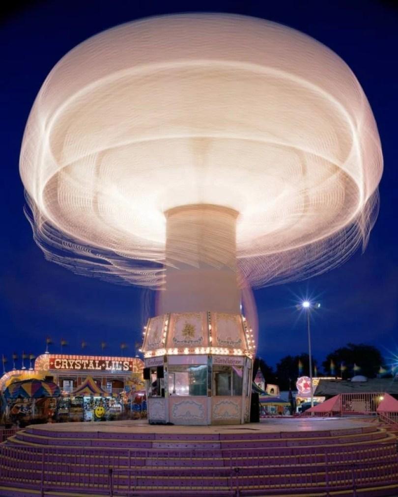 852 15 Vail WaveSwingWEB20000 640x800 - Fotos sensacionais tiradas em parque de diversões utilizando longa exposição