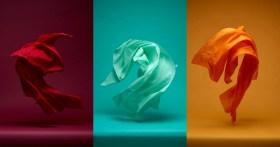 """Il fotografo scatta foto di """"danza"""" di tessuti in movimento"""