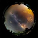 Questo panorama a 360 ° da 600 MP ha una vista a tutto cielo della Via Lattea