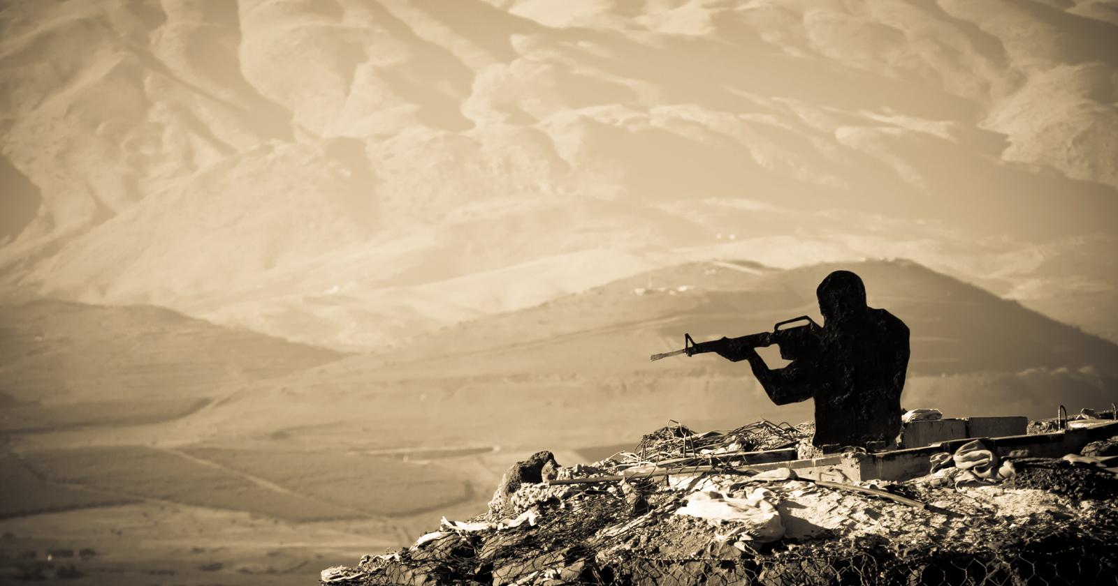 Il fotoreporter condivide la sua esperienza nel documentare la guerra all'ISIS