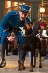 dobermann no filme hugo cabret