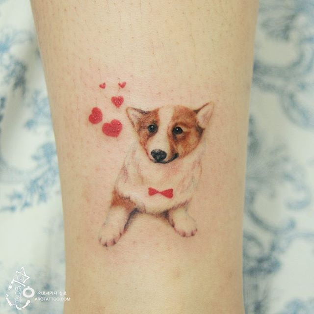 tatuagem fofa de corgi