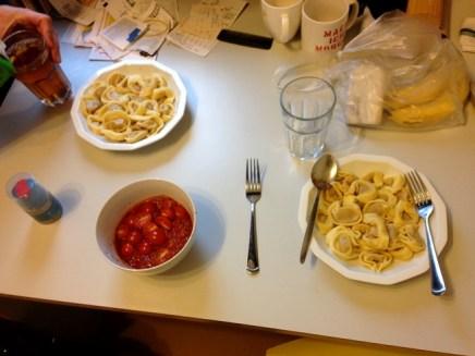 อาหารกลางวันจากของเหลือในครัว