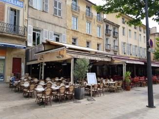 ร้านอาหารริมถนน Cours Mirabeau